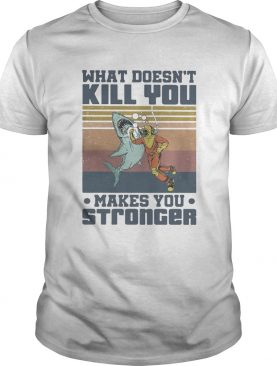 What Doesnt Kill You Make You Stronger Diver Shark Vintage Retro shirt